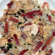 Mushrooms, cheese and smoked ham salad